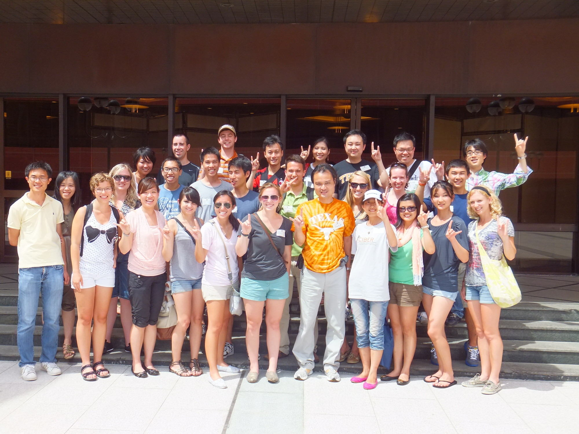 Dragon Boat Race Watching and Lunch with Current UT Business Students